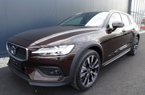 Volvo V60 Cross Country D4 AWD Cross Country Geartronic bei Grünzweig Automobil GmbH in