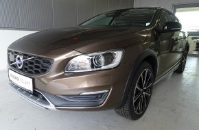 Volvo V60 Cross Country D3 Cross Country Pro Geartronic bei Grünzweig Automobil GmbH in