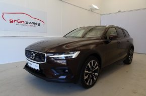 Volvo V60 Cross Country D4 AWD Cross Country Pro Geartronic bei Grünzweig Automobil GmbH in